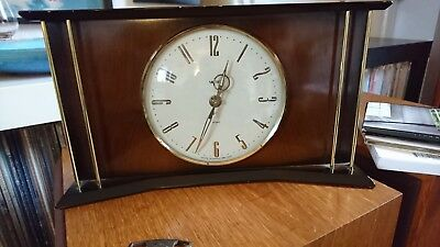 Smiths Wooden Mantle Clock 8 day floating balance Wind Up Movement 1950s/1960s