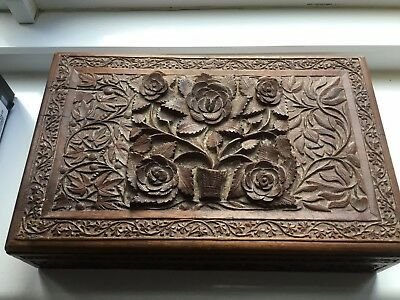 Fine Collectible Antique Chinese vintage carved wood flowers box ornament treen