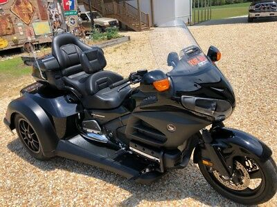 2014 Honda Gold Wing  2014 gold wing trike in excellent condition.  title in hand