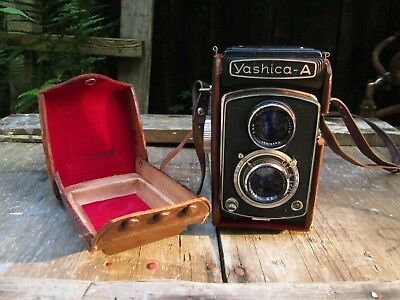 """Vintage Yashica  """"a"""" Twin Lens Reflex Camera In Original Leather Case"""
