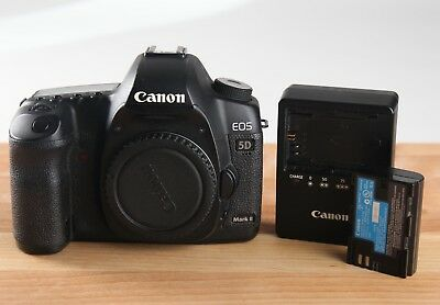 Canon EOS 5D Mark II mkii mk 21.1MP Digital SLR Camera Body Battery and Charger
