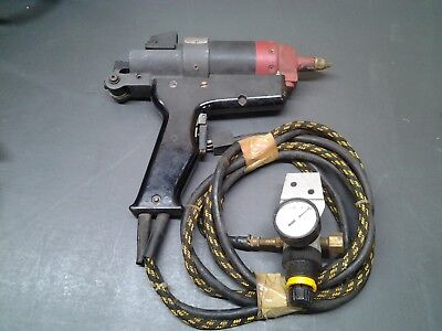 USED Machinery Corp. Aircraft SEALANT GUN WITH REGULATOR 450P