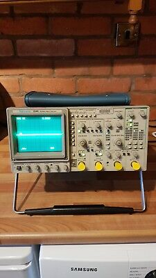 Tektronix 2245A 100 MHz four-channel analogue oscilloscope, working