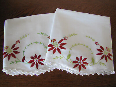 Vintage Pair of Pillowcases Embroidered & Crocheted Asters & Wreath Exquisite
