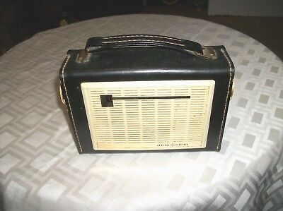 Vintage GE All Transistor Radio  - Parts/Repair