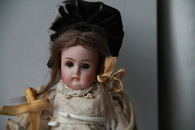"""Gorgeous 7"""" Bisque Kestner Antique Doll marked 192 Closed Mouth & Sleep-Eyes"""