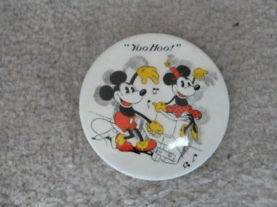 VINTAGE  1960s HTF WALTER E DISNEY MICKEY MINNIE MOUSE GREAT BRITAIN BUTTON PIN