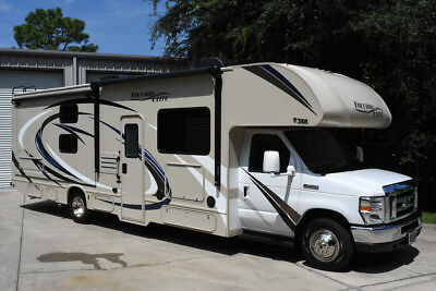 2018 Thor Freedom Elite 30Fe Bunk House Two Slides, Electric Awning, Outside Tv