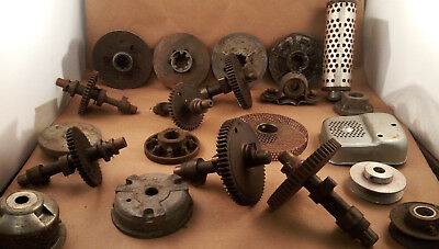 Vintage Junk drawer Lot Gear Industrial METAL parts steampunk Pulley (L16)