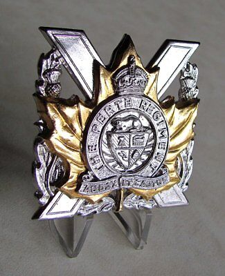 Canada Army Canadian Forces The Perth Regiment King's Crown Glengarry Cap Badge