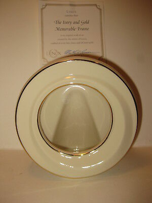 """Lenox China  5"""" Round Picture Frame  Ivory & 24K Rimmed New"""