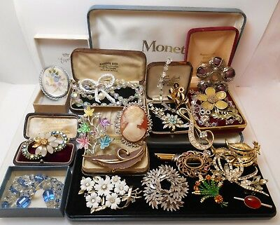 Job Lot Of Vintage Jewellery Brooches Glass Necklaces Enamel Etc Spares Repair
