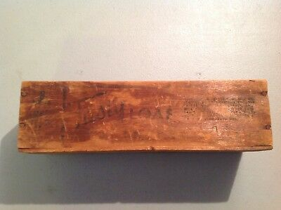 VINTAGE TASTY LOAF 2 LB WOOD BOX for Cheese Pabst-Ete Corporation