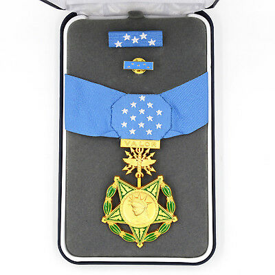 Cased US ww1 ww2 Congressional Badge Order of MEDAL HONOR OF AIR FORCE Rare!!