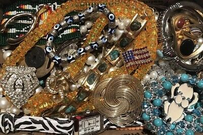 Lot- BB152 Huge Lot Of Vintage To Now Necklaces, Bracelets Watches  And Pins
