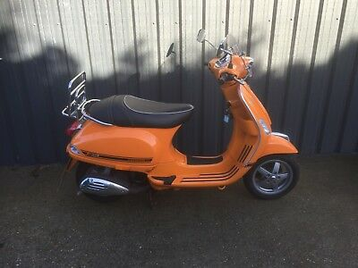 Vespa 50cc Sport excellent condition ( Rare Scooter) Low Milage, Red or Orange