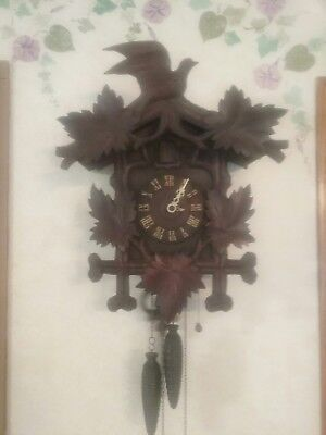 VINTAGE Carved Wood Black Forest Birds Cuckoo Clock
