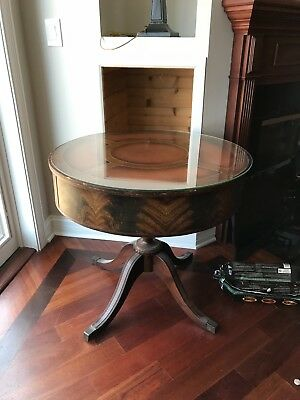 Round antique dining table with 2 chairs
