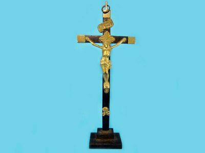 OUTSTANDING LARGE ANTIQUE WOOD & BRASS STANDING CROSS w/ CRUCIFIX, early 20th Ce