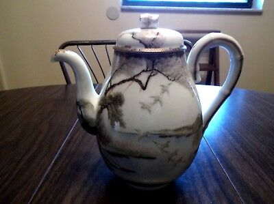 Hand Painted Japanese Kutani Porcelain Scenery Tea Pot Teapot