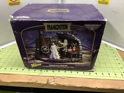 Department 56 Universal Monster Frankenstein's Laboratory Bride Brand New
