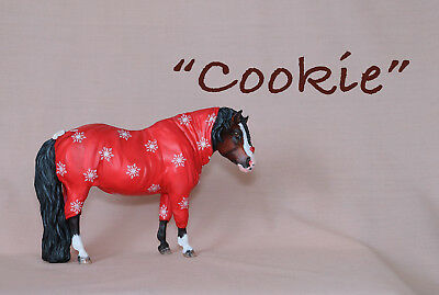 """Custom CM Breyer Traditional 2018 Holiday """"Cookie"""" Fluffy Pony in a One- sie"""