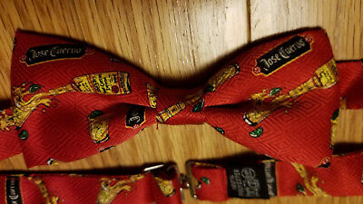 NEW in Box Christmas Red JOSE CUERVO Tequila Tie Bow Tie Bowtie Hangs on Bottle