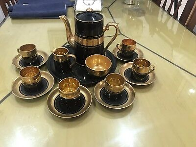 Gibson & Sons Late Coffee Pot with Cups