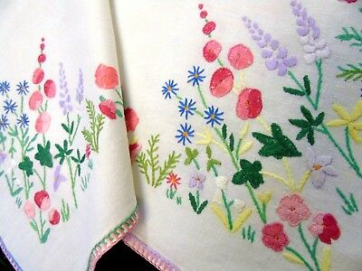 Gorgeous,Vintage,Hand Embroidered Tablecloth.Cottage Garden Flower Corners.GC