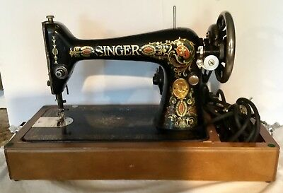 Vintage Singer Sewing Machine w/ Bentwood Domed Case; very esrly, beautiful