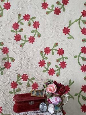 Amazing Trapunto Antique c1850 Red & Green Wreath QUILT Grand Old Beauty