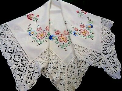 "Pretty,Vintage,Hand Embroidered Lace Edged Tablecloth 30""x32"" 76cms x 81cms"