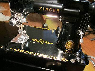 Collectible Vintage 1954 Singer Featherweight Sewing Machine # 221.1 Tested Good