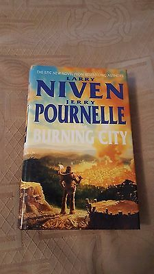Bn Larry Niven & Jerry Pournelle Burning City H/b D/j @@new@@