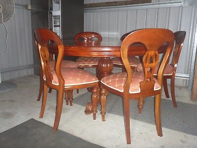 Antique Style Round Dining Table And 6 Chairs