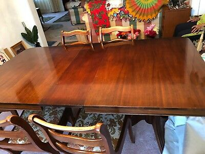 Antique Duncan Phyfe Table And 6 Chairs, Mahogany, 1940S