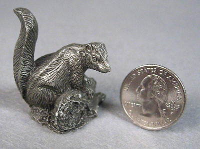 The Skunk Pewter figurine - Jane Lunger 1981 - Franklin Mint