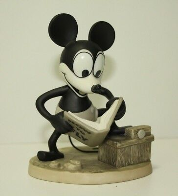 Plane Crazy Mickey Mouse Walt Disney Classic Collection