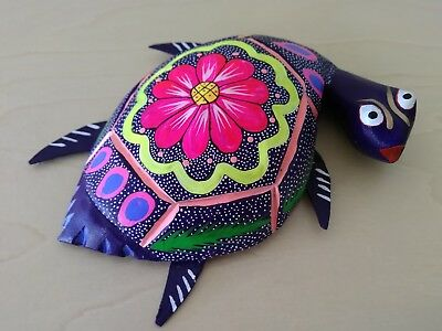 Mexican turtle alebrije - Oaxacan folk art - Oaxaca Mexico wood carving