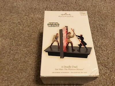 2009 Hallmark Keepsake Ornaments Star Wars A Deadly Duel Magic Light & Sound
