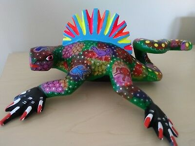 Oaxacan iguana alebrije - Mexican lizard folk art - Oaxaca Mexico wood carving