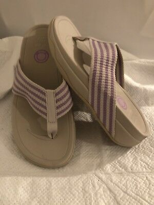 76ba39045 FITFLOP Woman s SURFA STONE RAINY DAY Lilac Wht Striped Sandal 6 Retail  98  NEW
