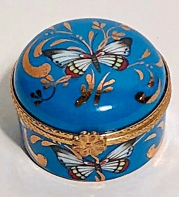 Limoges Trinket Pill Box Butterfly France hinged Vintage Excellent