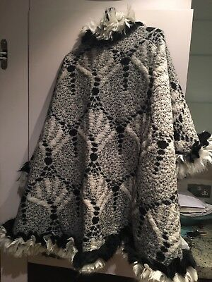 Vintage Designer MISSONI Black and White Woollen Cape/Shawl in perfect condition