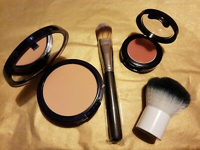 Foundation, Blusher and Two Brush Bundle