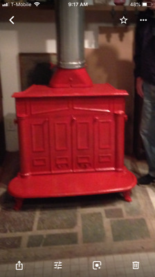 Wood Burning Franklin Stove. Good Condition Antique.