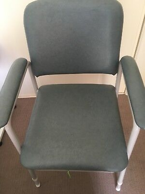 COMMODE CHAIR - Very Sturdy Excellent Clean Condition.       NEGOTIABLE