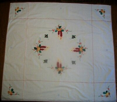 "Vintage 41"" By 44"" Appliqued And Cross Stitched Holiday Tablecloth W/ 6 Napkins"