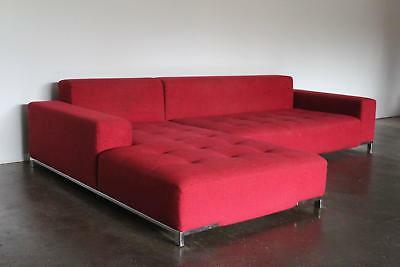 Used Zanotta Kilt L-Shape Sofa in Red-Canapé Zanotta rouge en L, parfait état.