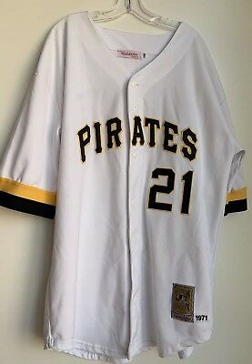 sports shoes 63e40 3abe0 MITCHELL & NESS Cooperstown Collection Roberto Clemente Pirates Jersey Size  56